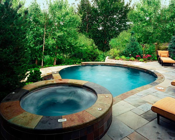 Ideas valencia pool designs for Pool jacuzzi design
